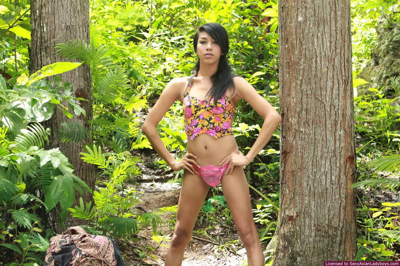Korikova undressed body